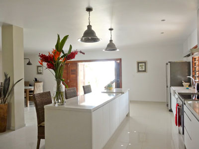Paradise-Point-Escape-Luxury-House-Accommodation-Property-Management-Vanuatu-Modern-Kitchen-16-degrees-south